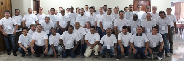 Encontro de Delegados e Diretores do SINDECTEB define pauta de luta!